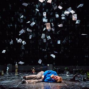 mediacritica_national_live_theatre_lo_strano_caso_del_cane_ucciso_a_mezzanotte_290